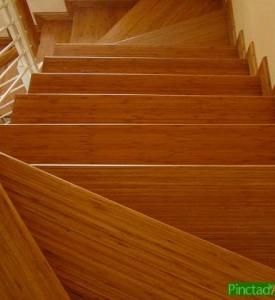 Ván Sàn Tre Cầu thang tre